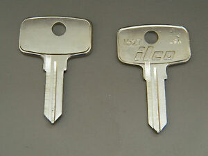 Snap On Tool Box Key Blanks Ilco 1527 Set Of 2 Free Code Cutting Y Codes
