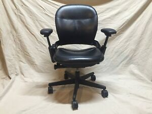 Black Leather Steelcase Leap V2 Model 46212109s Executive Chair