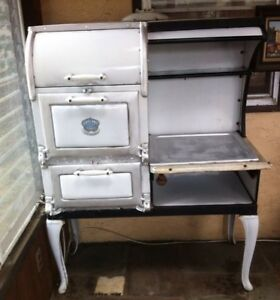 Antique Vintage Garland Stove And Furnaces