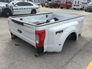 2017 2018 Ford F350 Superduty Dually 8ft Take Off Truck Bed Box Tailgate