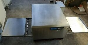 Lincoln 1302 Countertop Conveyor Pizza Oven Works Great Electric