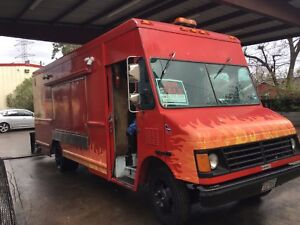 Food Truck concessions Rebuilt 5 7 Chevy Engine Quiet Onan Generator Make today