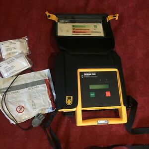 Medtronic Lifepak 500 Aed Defibrillator With Case Expired Battery Pack