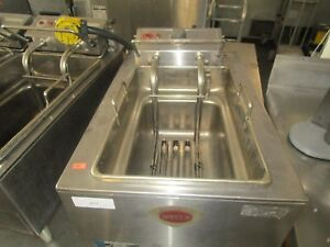 Wells Single Well Counter Top Electric Fryer Model F48
