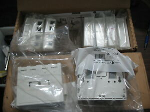 New Lot Of 20 Siemon Mx sm4 02 m 4 Port White Surface Mount Boxes With Magnet