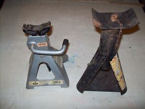 2 Automobile Jack Stands Mack No 9334 Used Good Working Condition