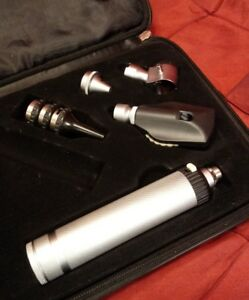 Adc Opthalmoscope Otoscope Kit