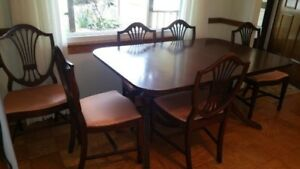 Mid Century Old World Dining Room Table And 6 Chairs