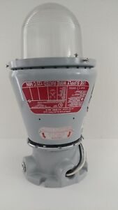 Appleton Electric A 51 Series Vented Explosion Proof Lighting Fixture New
