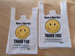 700 Ct Plastic Shopping Bag Medium Size T Shirt Type Grocery happy Face White