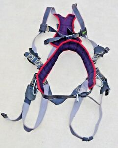 Miller Revolution Arc rated Universal Size Harness Tree Trimming Climbing