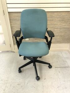 Steelcase Leap V2 Fully Loaded Green Fabric Black Frame 4d Arms Good Condition
