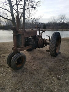 John Deere A Unstyled 1937 Real Barn Find Was In Barn 40 Years