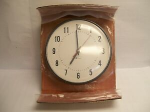Simplex 6310 9231 12 Round Analog Wall Clock New Old Stock Open Box