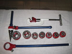 package Set Ridgid 111r Ratchet 7 Heads Reamer And 1 8 1 1 4 Pipe Cutter