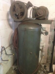 Vintage 1955 Beaird ingersol Rand Twin Cylinder Compressor In Perfect Condition