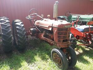 1945 International Harvester Farmall H Farm Tractor