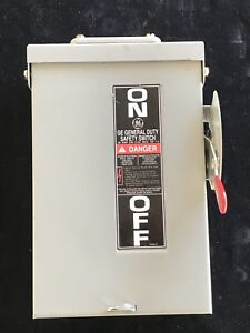 Ge Safety Switch 30 A 3 Ph 240 V Outdoors indoors Un fused