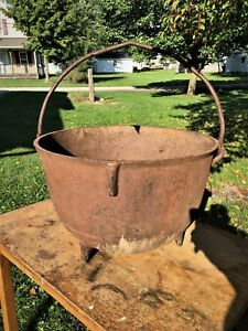 Antique Cast Iron Kettle 20 Gallon Cauldron Rendering Cowboy Bean Pot Gatemarked