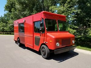 Brand New 2007 Workhorse Food Truck Concession Step Van Custom Kitchen Clean