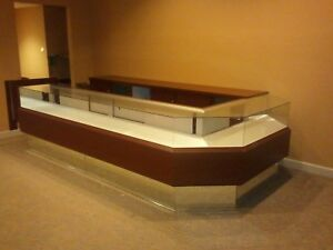 Glass And Wood Jewelry Counter Art Gallery Display Retail Display