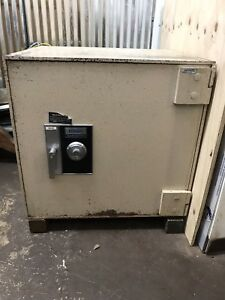 Diebold Cash Guard Tl 15 With Time Lock