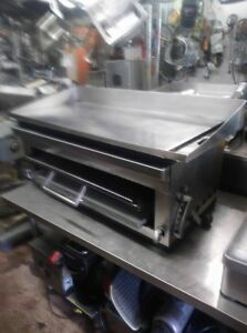 Gas 42 Inc Flat Griddle Wit Cheese Melter Cecil Ware