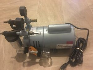 Gast Manufacturing Lubricated Laboratory Vacuum Pump 0823 v4b g608x