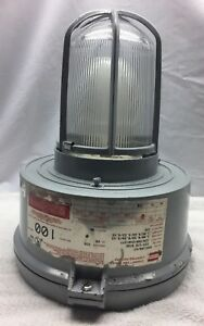 Crouse hinds Explosion Proof Light Fixture Model M10 Industrial Vmvc100 mt