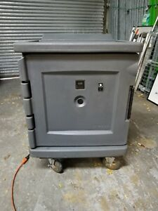 Cambro Cam1100 Camtherm Low Profile Electric Hot cold Cart