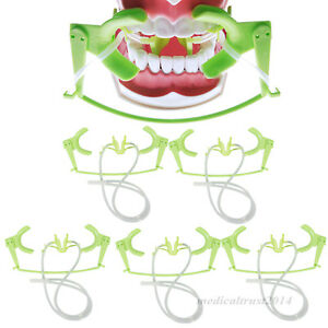 Autoclaveable 5x Dental Oral Dry Field Suction Saliva Lip Cheek Open Retractor