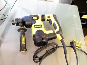 New Dewalt D25323k 1 Inch L shape Sds Rotary Hammer With Shocks