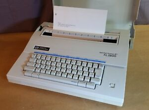 Smith Corona Xl 2500 Electric Typewriter Spell Right Dictionary