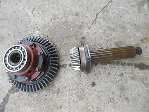 300 Utility Tractor Ih Transmission Drive Shaft Ring Pinion Drive Gear Assembly