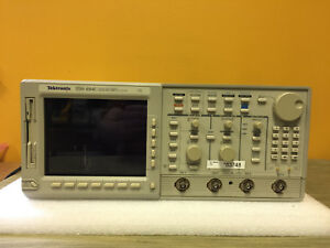 Tektronix Tds684c 1 Ghz 4 Ch 5 Gs s Digitizing Oscilloscope For Parts