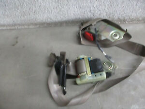 Driver Power Male Seat Belt Buick Riviera Supercharged 95 96 97 98 99