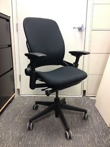 Task Chair Steelcase Leap V2 In Black Very Good Condition