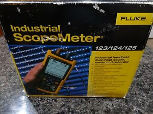 Fluke 123 003 Industrial Scopemeter 20 Mhz Frequency Nib Nwt Manual Iso 9001