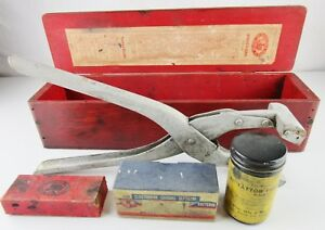 Vintage Weston Pet Cattle Farm Animal Livestock Tattoo Kit Outfit With Wood Box