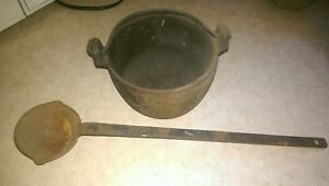 Cast iron lead melting pot w handle + ladel reloading weights sinkers