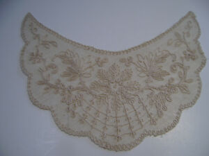 Vintage Embroidered Ecru Net Lace Collar
