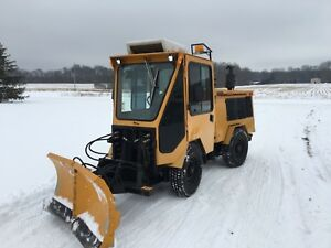 Trackless Mt 5t With 2 Stage Blower And 6way Plow
