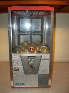 Vinatge Toy Vending Machine Oak And 2 Key 25 Cent Coin Mech