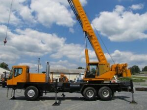 1998 Link belt Htc 835 Crane Used One Owner Both Cabs Heated Awd