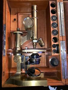 E Leitz Wetzlar Microscope W Cabinet 3 Objectives 4 Eyepieces Antique Rare 8320