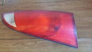 2001 2002 2003 2004 2005 Ford Focus Rear Right Tail Light Oem Ys4x 13404