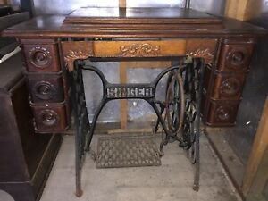 Vintage Singer Treadle Sewing Machine And Cabinet