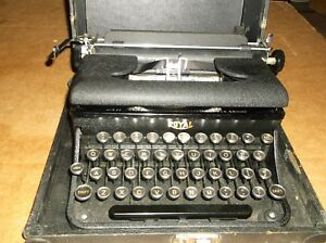 Vintage 1940s Royal Typewriter With Wooden Carrying Case Very Good Working
