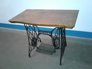 Vintage Cast Iron Singer Treadle Sewing Machine Base Table Legs Rolling Stand