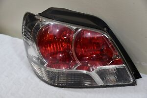 2003 2004 Mitsubishi Outlander Tail Light Lamp Taillight Left Driver Side Oem